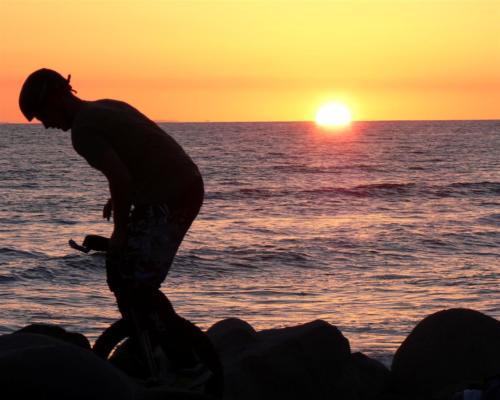 unicycle-on-the-rock